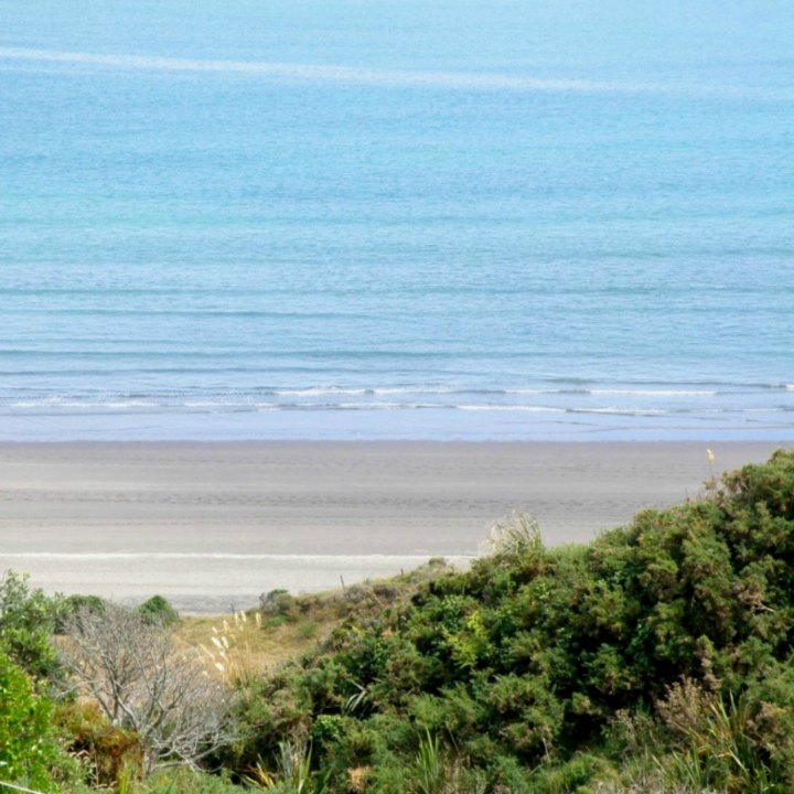 Calm Day at Ngarunui Beach, Raglan NZ. Photo taken by Stephanie Philp